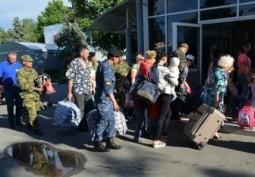 До 500 украинцев ежедневно подают заявления на участие в программе переселения