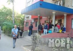 """В очереди перед ФМС Липецка """"живут"""" почти 500 человек"""